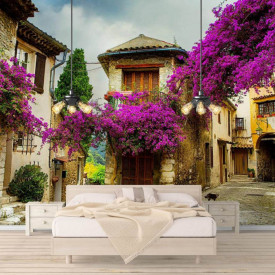 Fototapet Orase, Un oraș cu flori violet