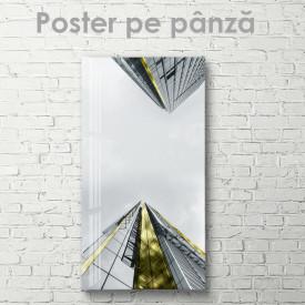 Poster, Vedere dejos spre nori
