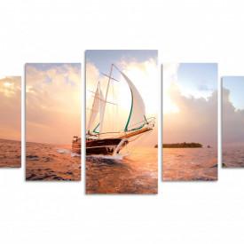 Multicanvas, Naviga albă în mare la apus