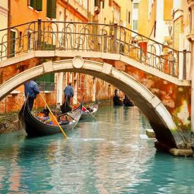 Fototapet Orase, Gondole pe apă