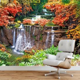 Fototapete, Cascadă înconjurată de copaci cu frunzele multicolore