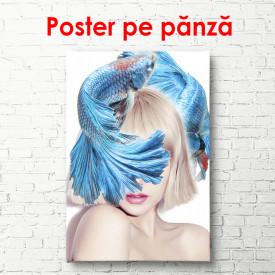 Poster, Fata cu pește albastru pe cap.