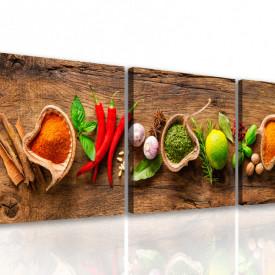 Tablou modular, Condimente colorate pe o masă de lemn