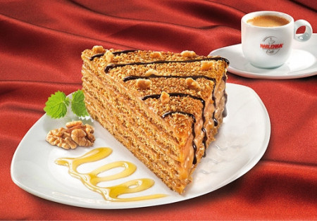 Tort Marlenka cu miere si nuca 800g