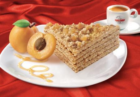 Tort Marlenka cu miere si caise 800g
