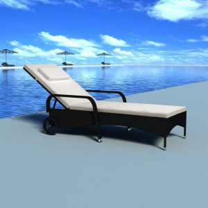 Șezlong de plajă cu pernă și roți, negru, poliratan