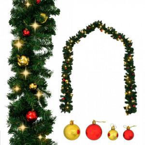 Ghirlandă de Crăciun decorată cu globuri și becuri LED, 5 m