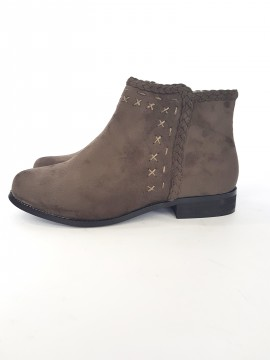 дамски боти с орнамент / ladies boots with ornament