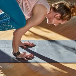 Saltea Yoga Gaiam 5 mm Performance Alignment Grip