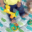 Kids II Bright Starts Podloga za igru Hug & Cuddle 12590