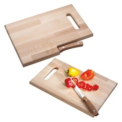 Wooden board with knife Lizzano