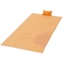 Riviera beach mat with inflatable pillow