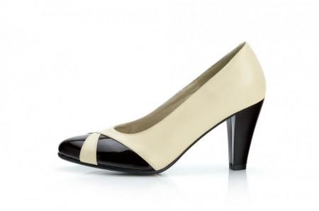 Pantofi dama eleganti din piele naturala bej cu negru cod P301