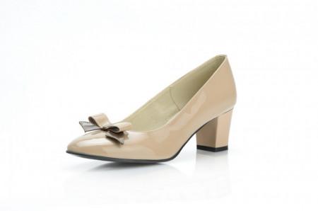 Pantofi dama eleganti din piele naturala bej lacuit cod P303