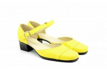 Pantofi dama piele naturala galbeni cu bareta cod P142
