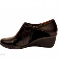 Pantofi dama negri din piele naturala tip botine cod G43
