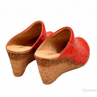 Saboti dama rosii din piele naturala cu perforatii cod SB17
