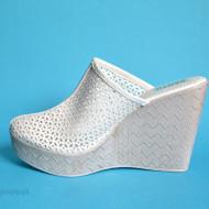 Saboti albi dama eleganti din piele naturala cu platforma de 11 cm, cod SB303ALB