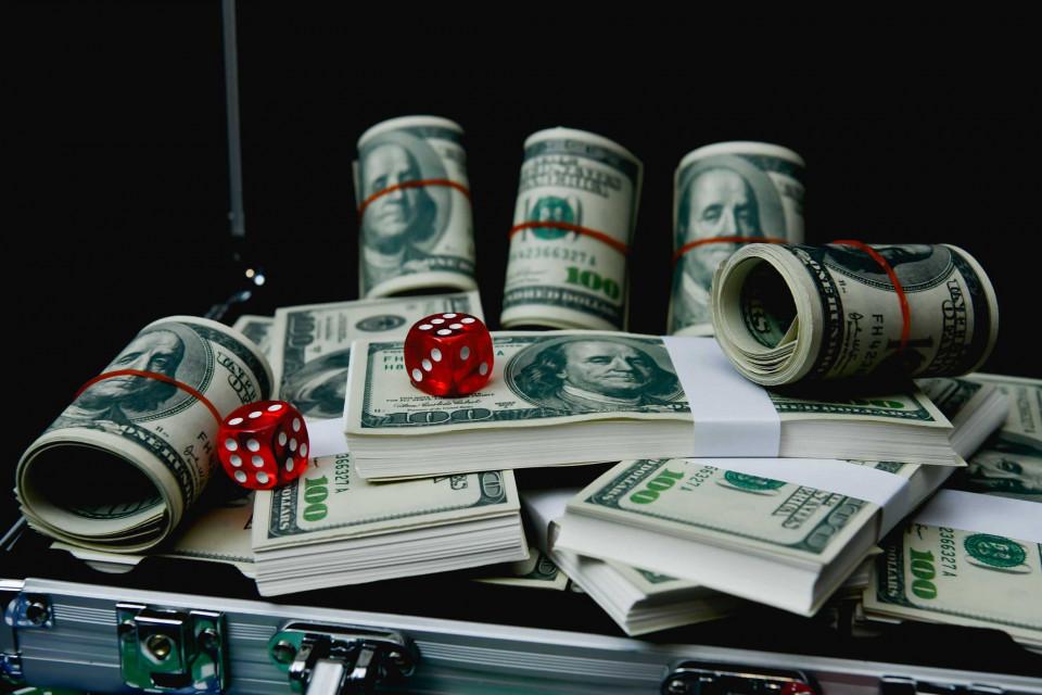 Tablouri cazino banii tai castigati