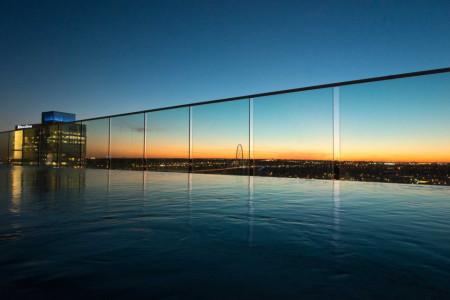 Tablouri peisaje piscina pe acoperis