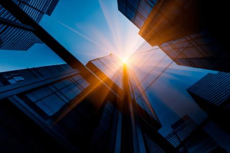 Tablou arhitectura cu raze de soare