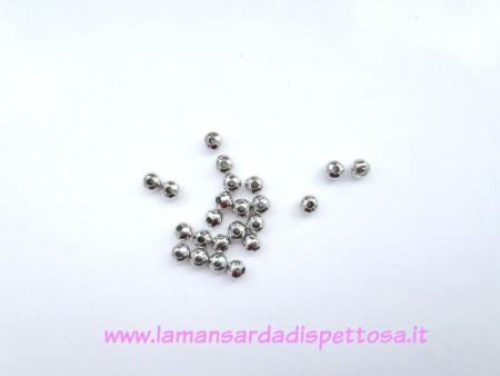 50 perle metalliche tono argento 4mm. immagini