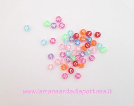 20 perle con lettera in acrilico 7mm. immagini
