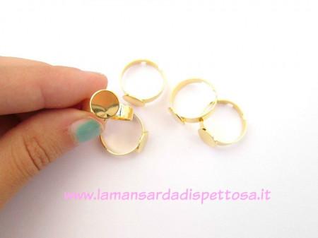 Base per anello dorata immagini