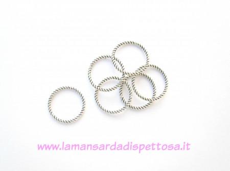 4 anellini connettori 18mm. immagini
