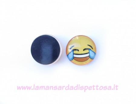 Calamita magnete faccina whatsapp - sorriso con le lacrime immagini