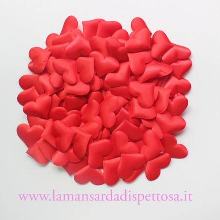 10 cuori in tessuto rosso immagini