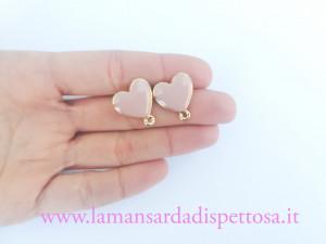 1 coppia di basi per orecchini a perno cuore rosa