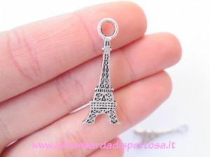 Charm tour Eiffel piatta