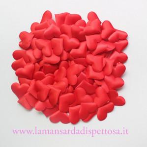 10 cuori in tessuto rosso