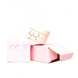 Set cosmetice roz Kylie Jenner, 32 nuante