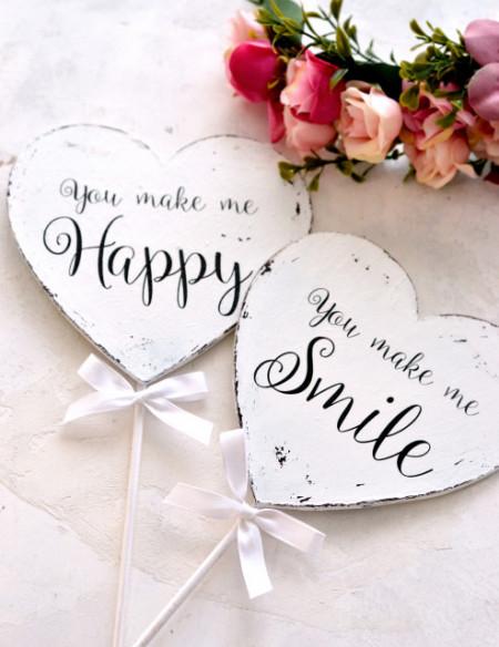 Inimioare pe bat recuzita pentru poze 'You make me happy & 'You make me smile'