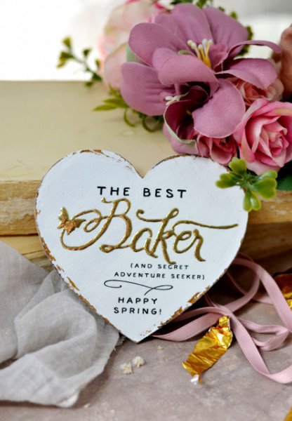 Inimioara magnet decorata cu auriu - The best baker