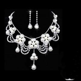 Poze Set cu montura deosebita, cu perle si cristale, White - Cadoulchic.ro