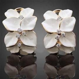 Poze Cercei ieftini dama, cu flori albe