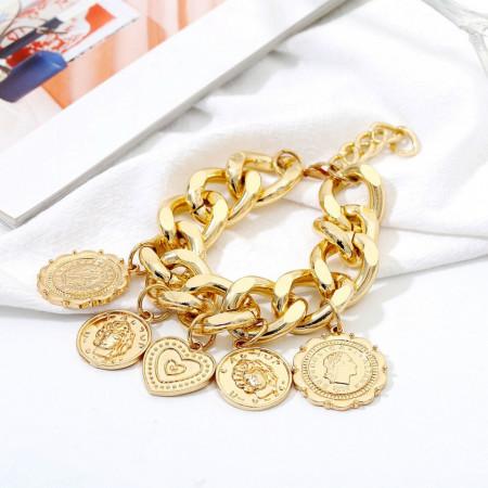 Poze Bratara fashion cu pandantive, golden
