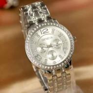 Ceas Geneva de dama, cu cristale pe carcasa si bratara - argintiu