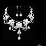 Set cu montura deosebita, cu perle si cristale, White - Cadoulchic.ro