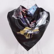 Esarfa eleganta din matase satinata, cu flori stilizate, multicolore, pe fond negru