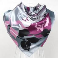 Esarfa eleganta din matase satinata, cu design fantezist cu linii si flori, pe fond gri argintiu