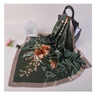 Esarfa eleganta din matase satinata, model floral pe fond verde, model 47