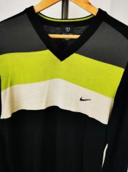 Pulover Nike.