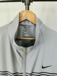 Jacheta Nike XXL.