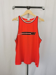 Maiou Nike XL.