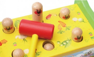 Jucarie din lemn cu ciocanel Prinde soricelul. Jucarie Montessori.