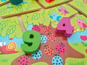 Puzzle educativ labirint din lemn, Cifre si Asocieri.